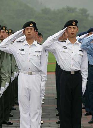 海军军官长袖夏常服 中国人民解放军最新男式军服图片