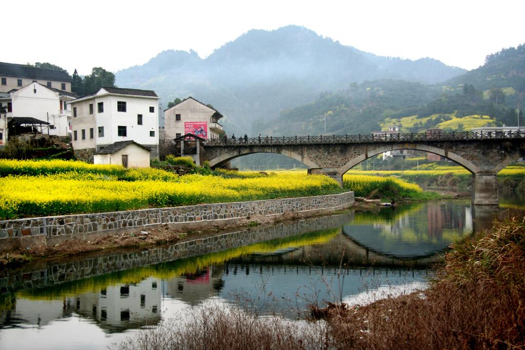 美丽的小村庄摄影图_报影美丽美丽的小村庄简笔画