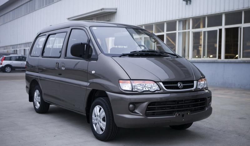 2013款风行菱智商务车