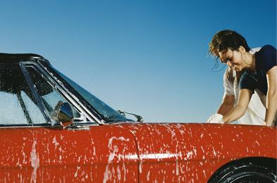汽车洗车过程应注意三大事项 洗车也有学问