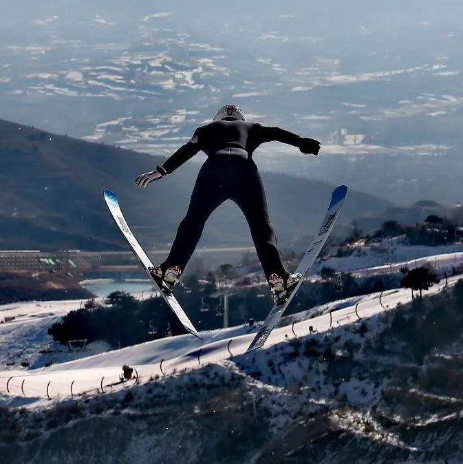 中国跳台滑雪队大练内功