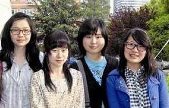高中一宿舍女生齐进名校 1人被国外7校录取