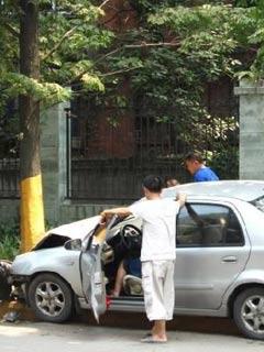 乐山离奇车祸