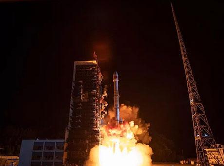 凉山西昌卫星发射中心成功发射通信技术试验卫星四号