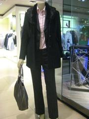 新百迎新春欢购月 男女装减至3折起活动时间:2010年1月29日起