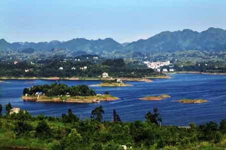 路线:重庆(沪渝高速经长寿,垫江,忠县)----石柱河源站下道----黄水
