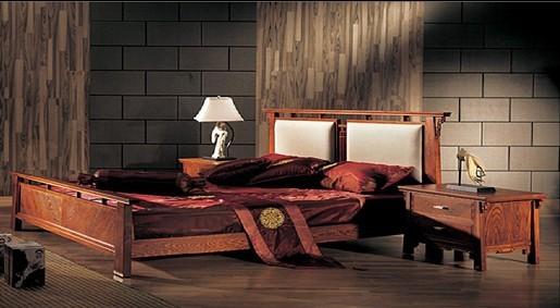 榆木硬度与强度适中,属于中高档的家具用材