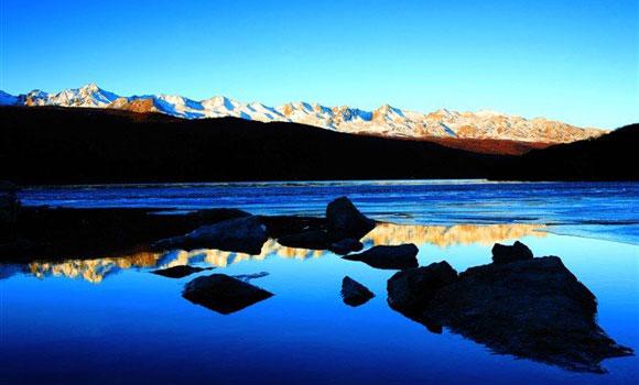 《康定情歌》在中国家喻户晓,而康定情歌(木格措)风景区更是神秘美丽