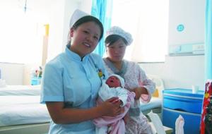 陈敏和她刚出生的孩子