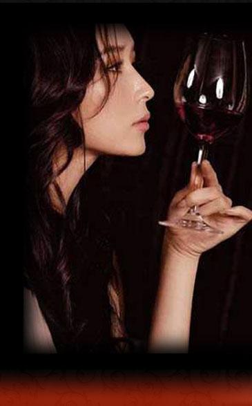夏天,最美,醉美人,红酒,女人,红酒与女人,情感,减肥,美容,诱惑,养颜,大渝红酒坊,品牌红酒,
