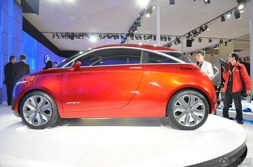 从外形来看,start概念车显得小巧可爱,由福特位于加州的设计中心负责