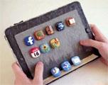 网友拿橡皮泥捏iPad 2