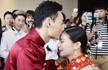 何姿秦凯西安大婚 新郎新娘甜蜜亲吻
