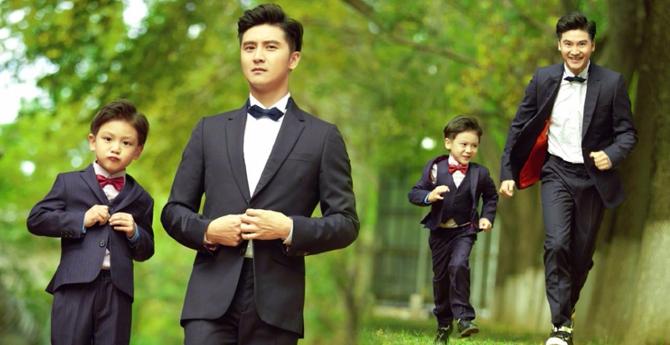 田亮带儿子拍写真 父子俩表情动作神同步