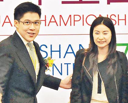 2011年11月21日,郭晶晶与男友霍启刚亮相全国体操冠军赛现场。