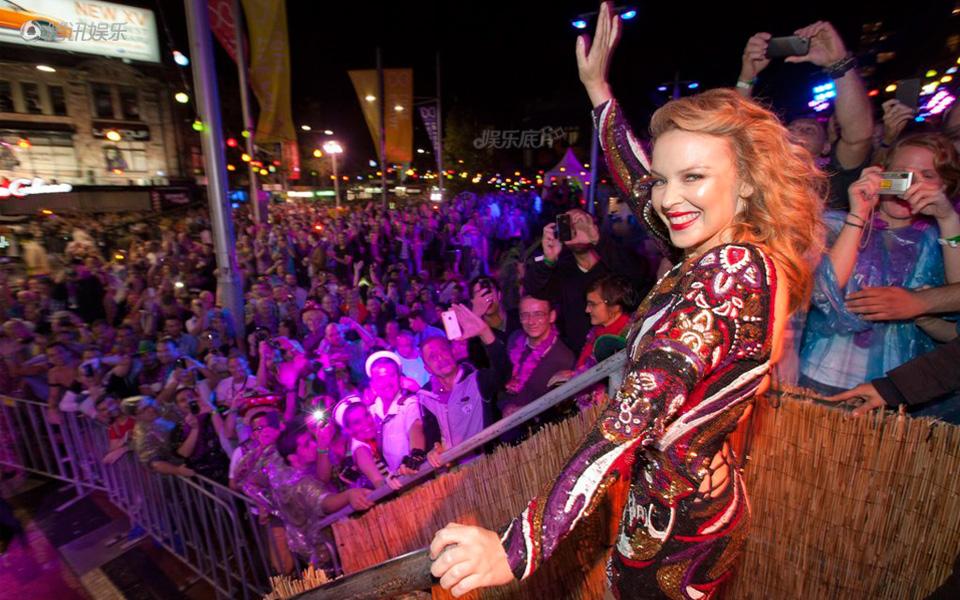 """《娱乐底片》第23期:明星为""""同志""""加油_凯莉・米洛(Kylie Minogue)"""