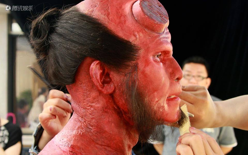 《娱乐底片》51期:揭秘百变大咖的特效化妆