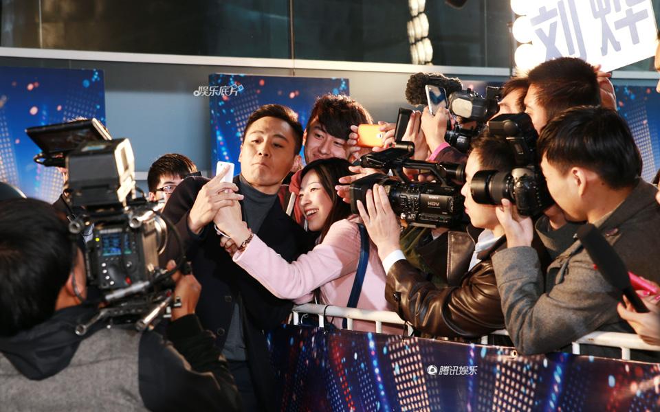 """《娱乐底片》72期:""""好奇宝宝""""刘烨的评委生活"""