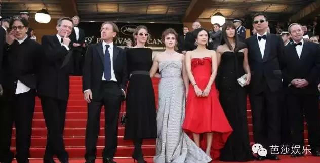 2006年,2009年,2013年,她出席了三次戛纳电影节,还都是评委男人出席的身份看小电影时候会干嘛图片