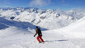 带着3岁的小情人跑去瑞士玩雪,这口远渡重洋的狗粮我们吃得爽!