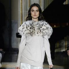 Blumarine2017秋冬:复古女郎披上优雅披肩