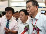 人民银行行长助理李东荣参观2010中国国际金融展