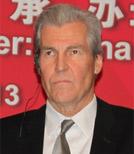 梅西百货董事长、总裁特里・兰格伦