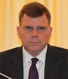 亚洲开发银行副行长史蒂芬-格罗夫