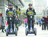 成都民警在街头巡逻
