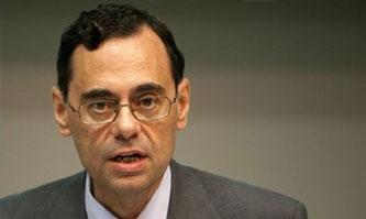 国际清算银行行长:金融标准的执行很重要