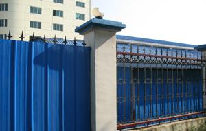 胜景山河厂区围墙外