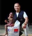 李宁与孟加拉儿童