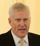 联合技术公司董事长、首席执行官路易・谢纳沃