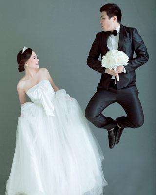 新娘端庄大方 俏皮大气的婚纱照