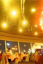 武汉亚洲酒店:江景一览全无 美食饱你口福