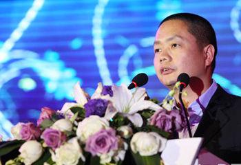 李甬:当前最重要是给女性独立自主选择的自由