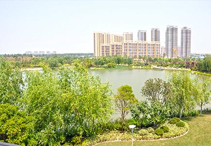 浐灞国家湿地公园,项目东侧是西安最大的自然湿地公园泾渭湿地公园
