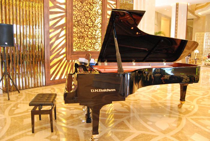 豪生大酒店大堂钢琴