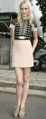 米兰时装周街拍连身裙