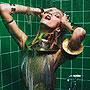 复古式情色 超模上演浴室迷情