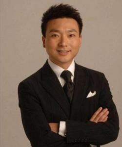 央视新闻中心播音部副主任―康辉
