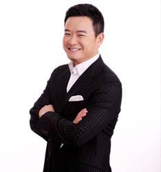 中央电视台著名节目主持人―李佳明