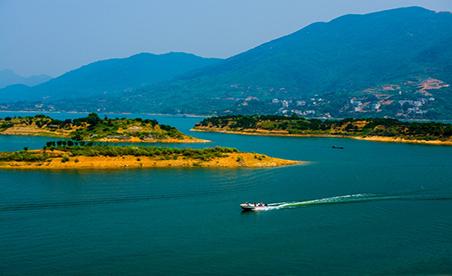 观音湖生态文化旅游度假区位于湖北省东北部孝昌县境内,与大悟,黄陂