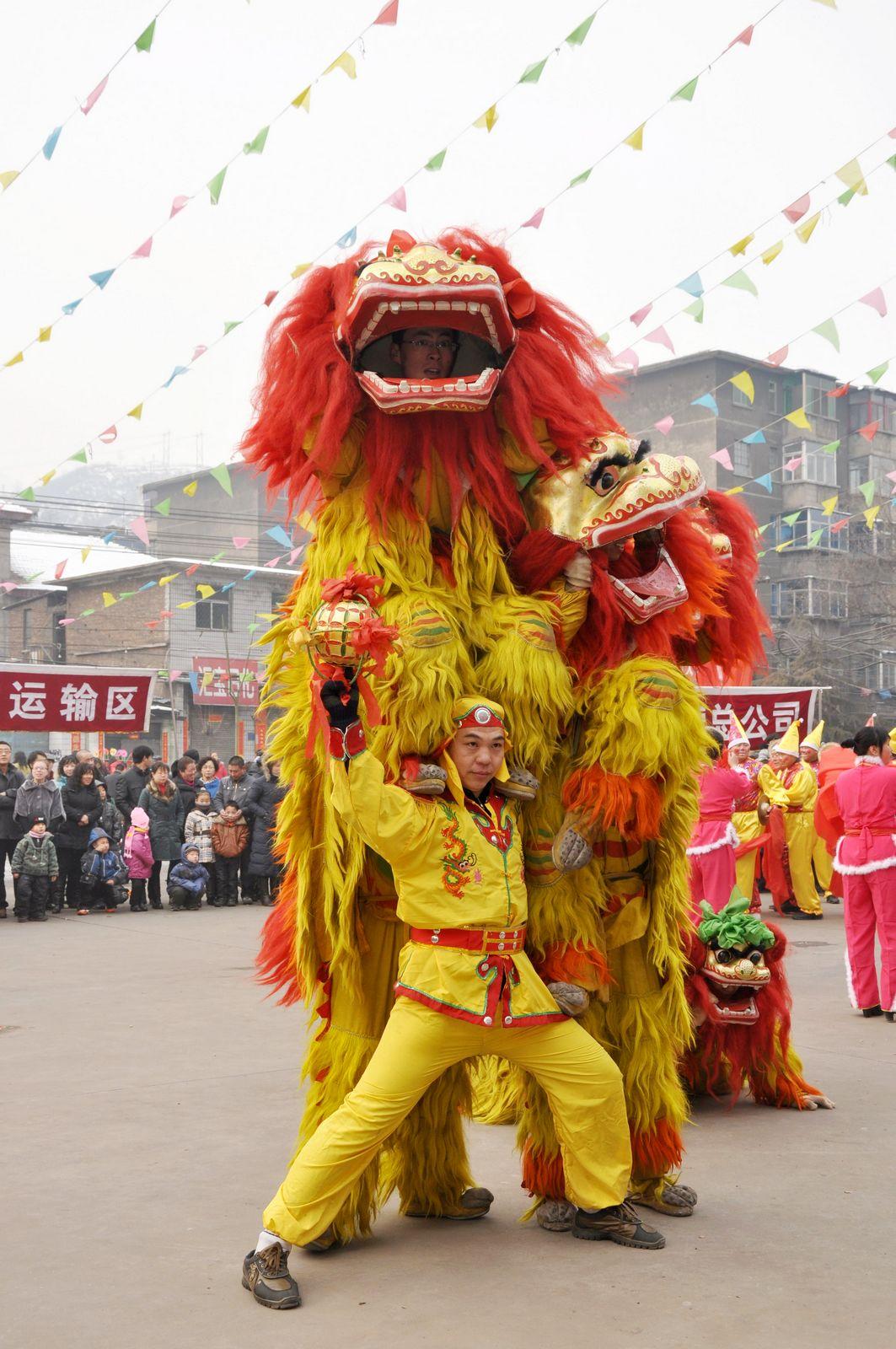 佛山舞狮子表演视频_佛山舞狮表演_北京舞狮_舞狮道具-生活资讯网