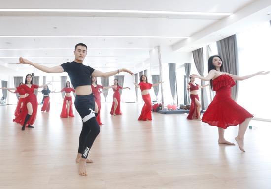 五子星河艺术空间开业女性朋友请来一站玩遍舞蹈声乐、礼仪美学