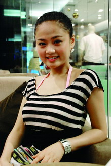 主持人刘倩_重庆首届楼盘专业形象代言人选拔大赛